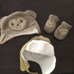 Other - Baby boy hats and a pair of mitts!